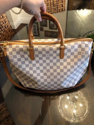 AUTHENTIC LOUIS VUITTON RIVIERA MM DAMIER AZUR TOTE BAG for Sale in Rancho Cucamonga, CA