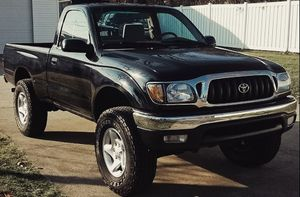 TOYOTA TACOMA 2001 - engine excellent gas no mechanical issues everything works great for Sale in Cincinnati, OH
