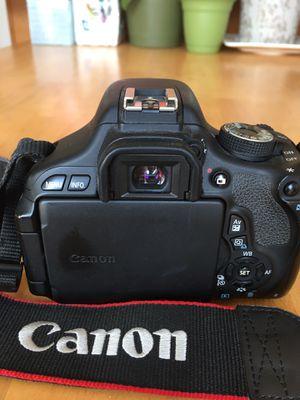 Canon 600D digital video camera for Sale in Garden Grove, CA