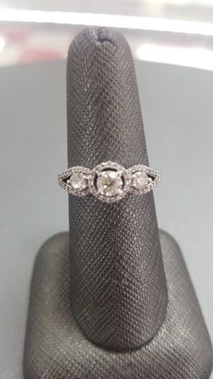 10K Gold Lady's Ring for Sale in Killeen, TX