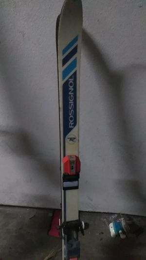 Junior skis for Sale in Victorville, CA