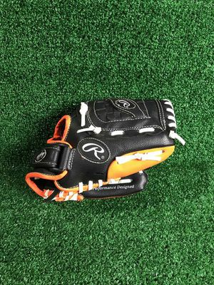 """Rawlings PL1050NO 10.5"""" Baseball glove (RHT) for Sale in Silver Spring, MD"""