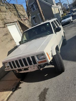 1999 White Jeep Cherokee for Sale in Newport, KY