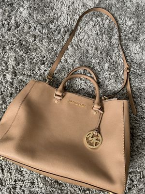 Michael kors Sutton purse for Sale in Silver Spring, MD