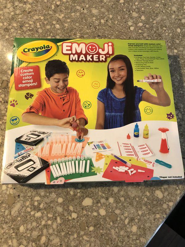 Crayola Emoji Stamp Maker — New!!