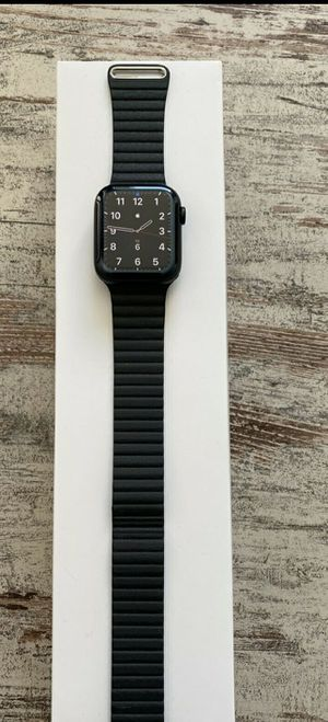 Apple Watch 5 40mm - Finance Option - Same Day Pickup for Sale in Raleigh, NC