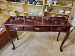 Vintage Cherry Queen Anne Sofa Table - Hall Table for Sale in Bechtelsville, PA