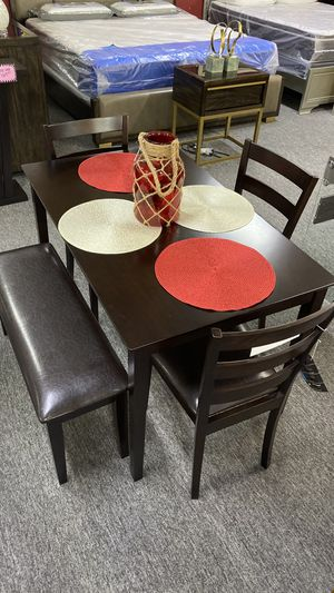 Dark Brown Breakfast Table with 3 Chairs and Bench X7U7X for Sale in Euless, TX