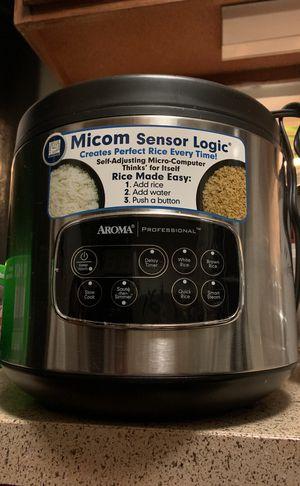 Aroma rice slow cooker for Sale in Alexandria, VA