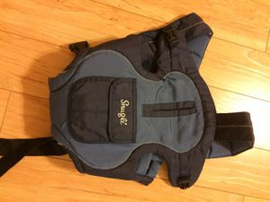 Snugly baby carrier for Sale in Houston, TX
