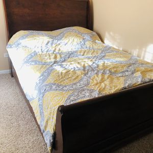 Bed Like New With Mattress for Sale in Chicago Ridge, IL