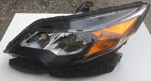 2014 Honda Civic 2DR Headlight for Sale in Miami, FL