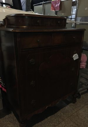 Antique chest of drawers six drawers for Sale in Fort Worth, TX