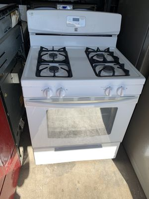 Kenmore brand white gas stove and oven for Sale in Moreno Valley, CA