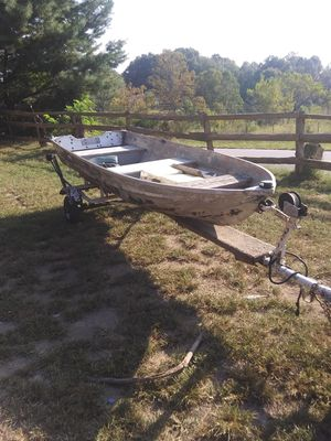 12ft boat and trailer for Sale in Gainesboro, TN
