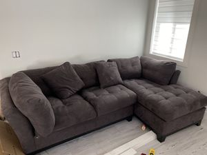 Couch sectional with ottoman for Sale in Hialeah, FL
