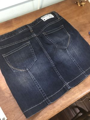 Women's Converse Jean Skirt Size 4 for Sale in Columbus, OH