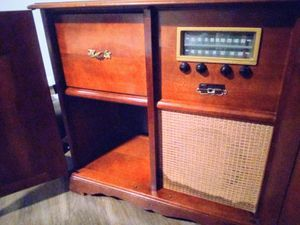 Cabinate Record/Stereo/Receiver for Sale in Peoria, AZ
