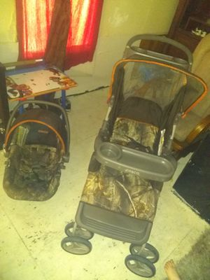 Camo carseat stroller set for Sale in Dewey, OK