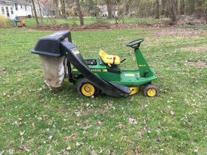 John Deere riding lawn mower for Sale in OH, US