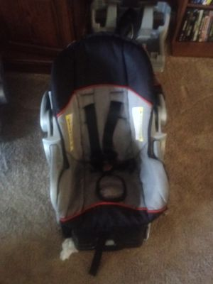 Baby Trend Infant Carrier and car seat for Sale in San Angelo, TX