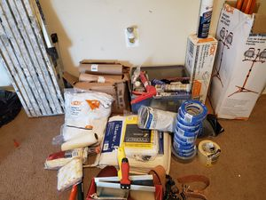 Paint materiales para pintura for Sale in Forest Heights, MD
