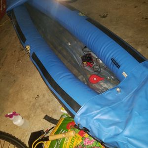 Quest Canoe 350lb, Paddle,inflator,nocushions, for Sale in Beaverton, OR