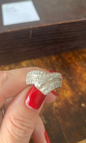 1 carat Diamond ring 10K gold with all paperwork plus insurance for Sale in Chicago, IL