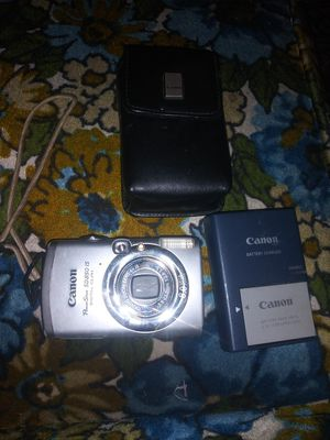 Canon PowerShot SD850 is camera with extra battery and Wall battery charger and case All for ONLY $50! for Sale in Ontario, CA