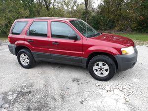 2005 Ford Escape Good Work Truck/ Transportation/ stick shift/ manual transmission for Sale in Matteson, IL