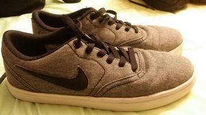 Nike SB skateting shoes size 7 for Sale in Las Vegas, NV