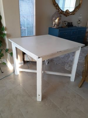 Rustic Dining Room Table for Sale in Moreno Valley, CA