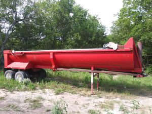 Clemens Round Bottom trailer for Sale in San Antonio, TX
