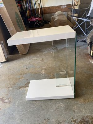 Steve silver end table/nightstand for Sale in Preston, MD