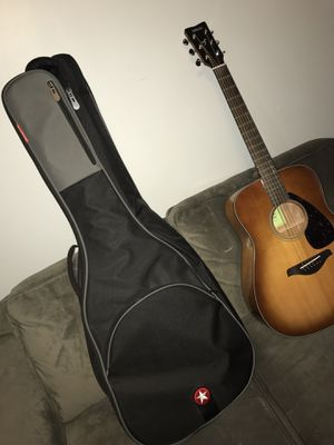 Yamaha FG800 Acoustic Guitar with case for Sale in Normal, IL