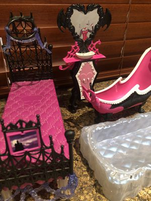 MONSTER HIGH DOLL FURNITURE for Sale in Indio, CA