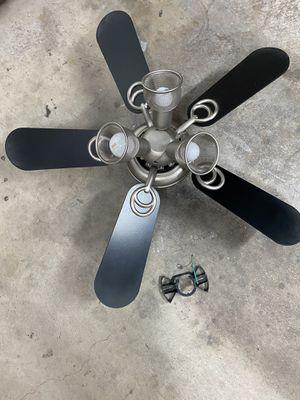 Hampton bay ceiling fan for Sale in Sacramento, CA