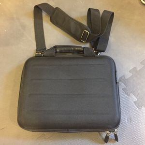 Kenneth Cole notebook carrying case for Sale in Draper, UT