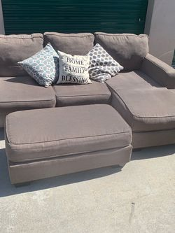 Grey Couch + Ottoman 🚛FREE DELIVERY for Sale in San Diego,  CA