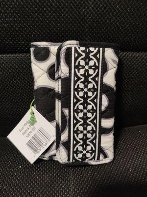 Vera Bradley Black & white Euro Wallet for Sale in Avon, CT