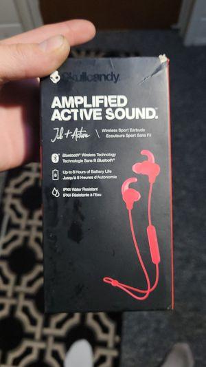 Bluetooth wireless headphones for Sale in Saranac, MI