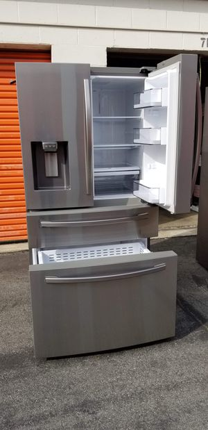 Refrigerator Samsung with Twin Cooling Plus for Sale in Hawaiian Gardens, CA