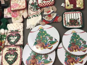 Holiday kitchen decor all for $5 or $1 a set for Sale in Garner, NC
