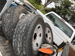 F-250 tire free for Sale in Kent, WA