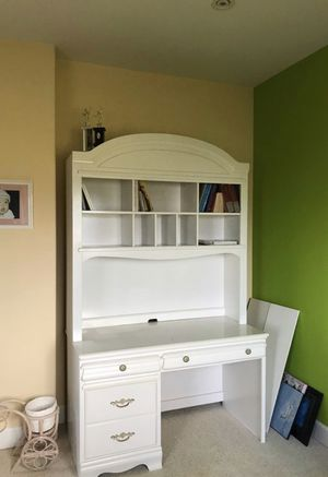 White dresser for SALE for Sale in Torrance, CA