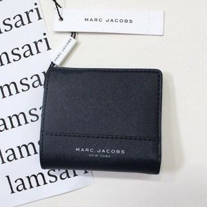 Marc Jacobs Wallet BiFold Card Holder Business Card for Sale in Fountain Valley, CA