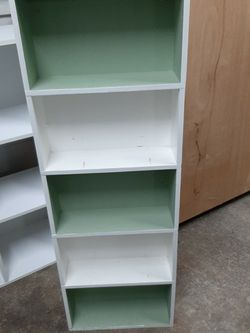 Small Bookcase for Sale in Lynnwood,  WA