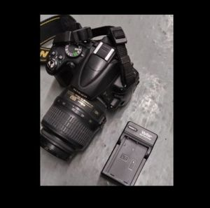 Nikon D5000 Camera Great condition barely used for Sale in Los Angeles, CA