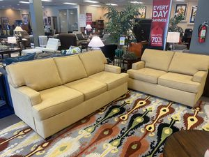 Cruze sofa and loveseat set for Sale in Baton Rouge, LA