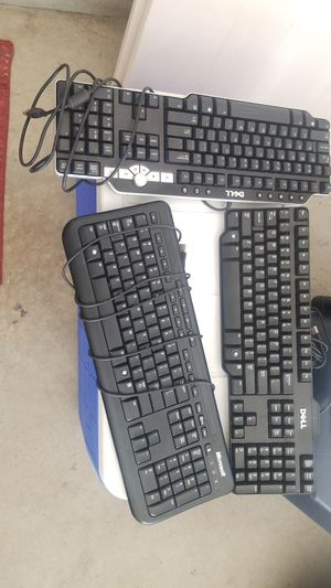 Keyboard for Sale in Shelby Charter Township, MI